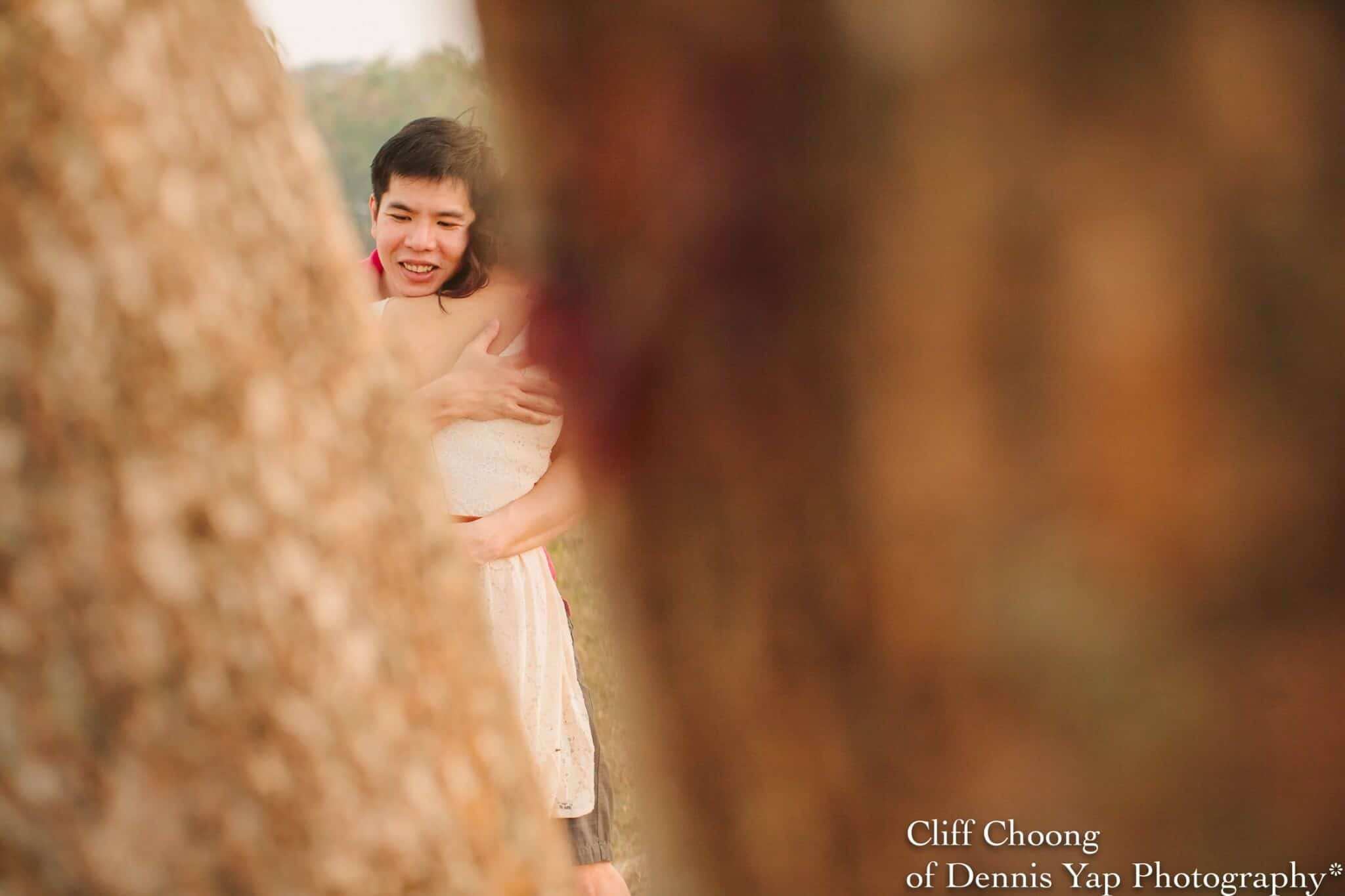 beloved engagement pre-wedding malaysia photographer Cliff Choong of Dennis Yap Photography love UPM Kuala Lumpur on the hill tree