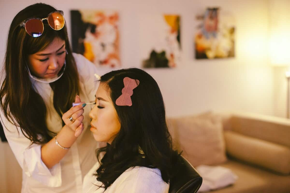 Malaysia Classic Vintage Chinese Wedding Kuala Lumpur Cliff Choong Photography Cross-culture Indonadian Malaysian Yat Ming & Mega bride and bridesmaids getting ready