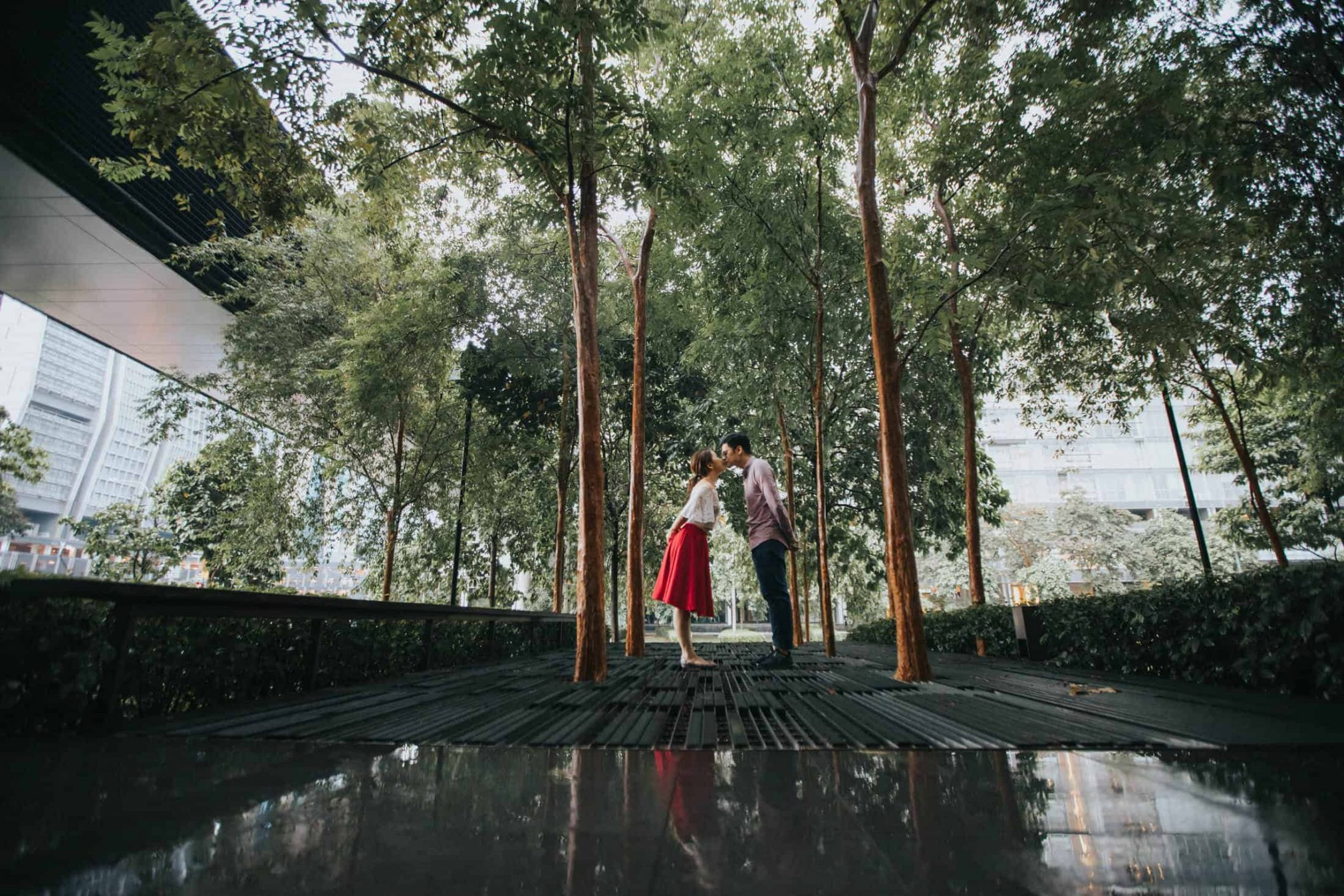destination prewedding photography malaysia melbourne beach house bath red groom bride wedding photographer kuala lumpur Engagement Prewedding