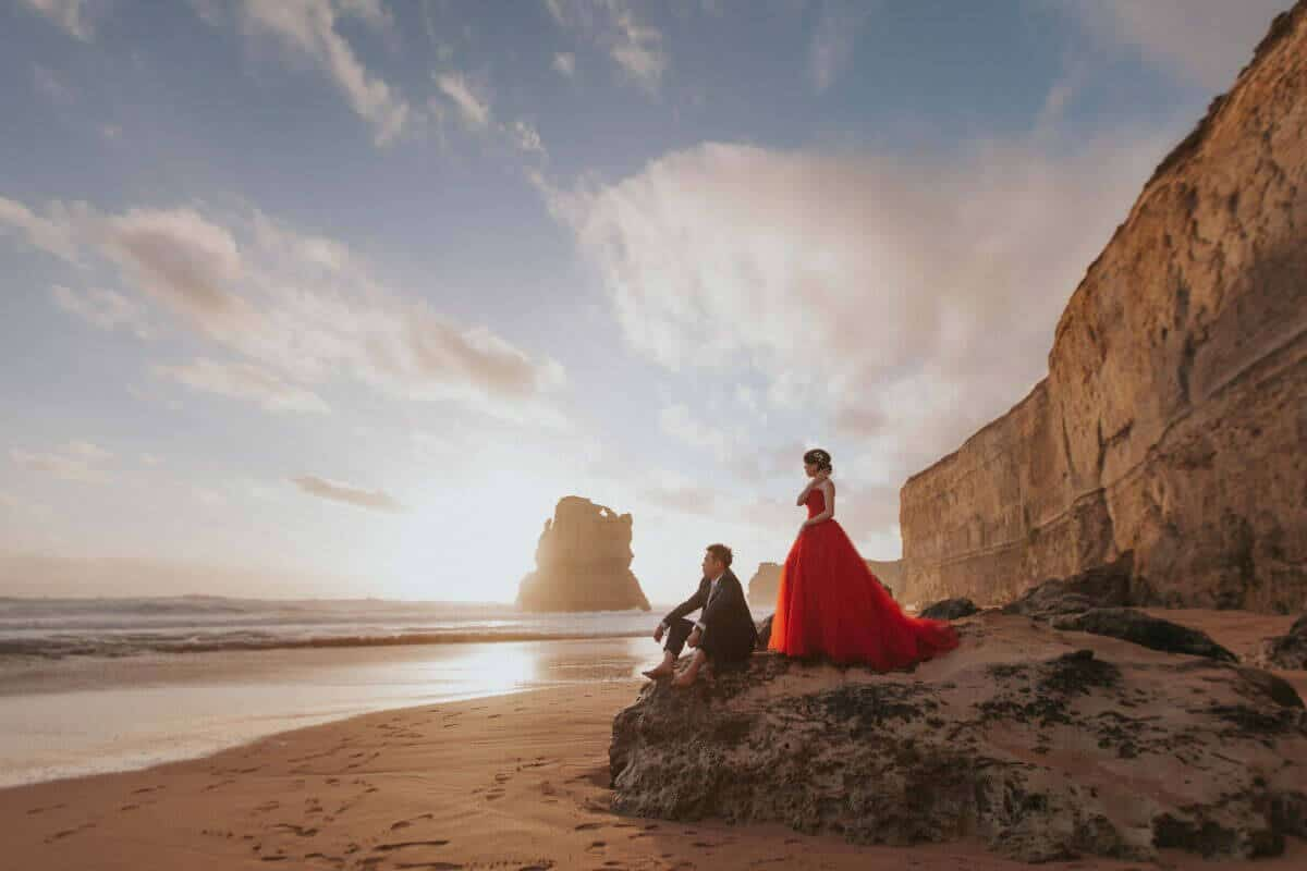 destination prewedding photography malaysia melbourne beach groom bride wedding photographer kuala lumpur twelve apostles marine national park great ocean road in victoria