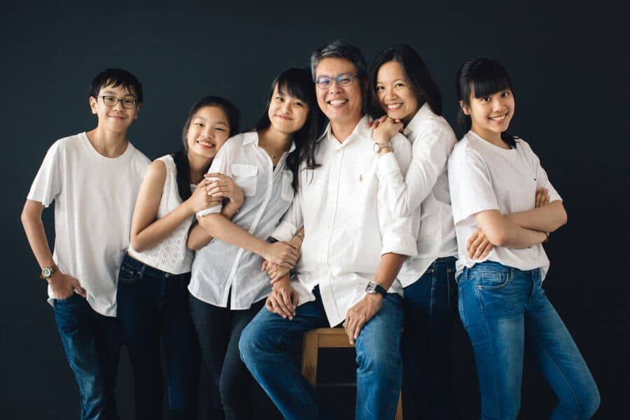 Studio Portrait Simple Minimalist Black Back Drop Couple Husband and Wife Beloved Family Cliff Choong Photography Malaysia Kuala Lumpur SIngapore Hong Kong Taiwan Siblings Senior Sisters Daughters Mother father and son