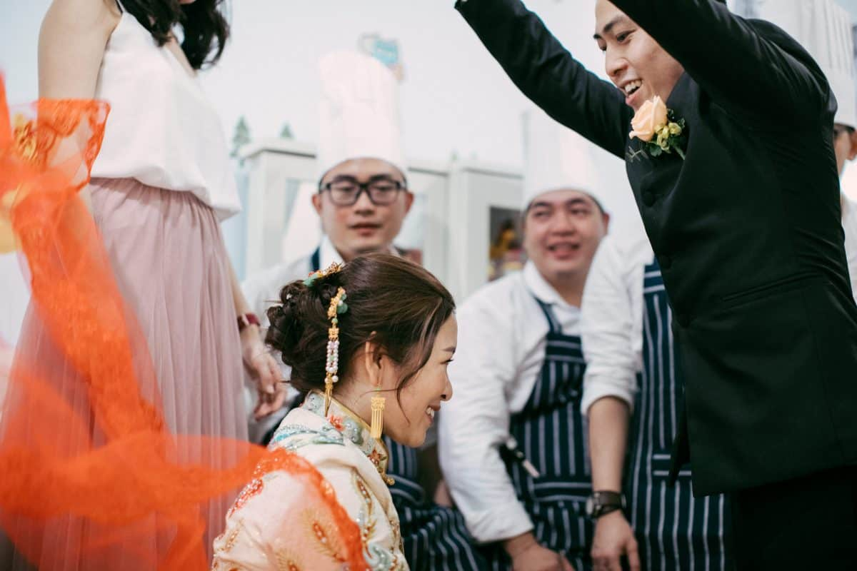 cliff choong destination portrait and wedding photographer malaysia kuala lumpur prewedding sunset golden sunrise shots bride and groom HOLDING HANDS rotterdam netherlands wedding Chinese Traditional Actual Day