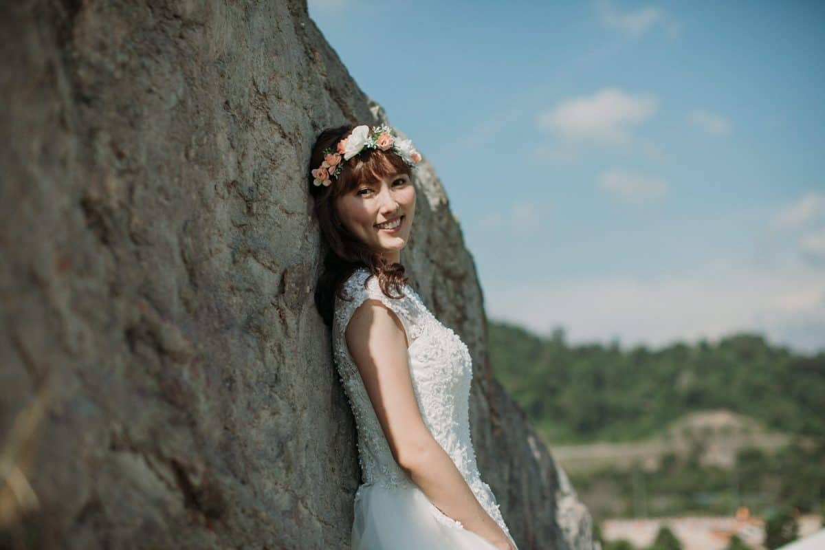 cliff choong destination portrait and wedding photographer malaysia kuala lumpur prewedding sunset golden sunrise shots bride and groom mountain in the city couple kiss romantic intimate moment scene couple woods casual couple portrait outdoor shots