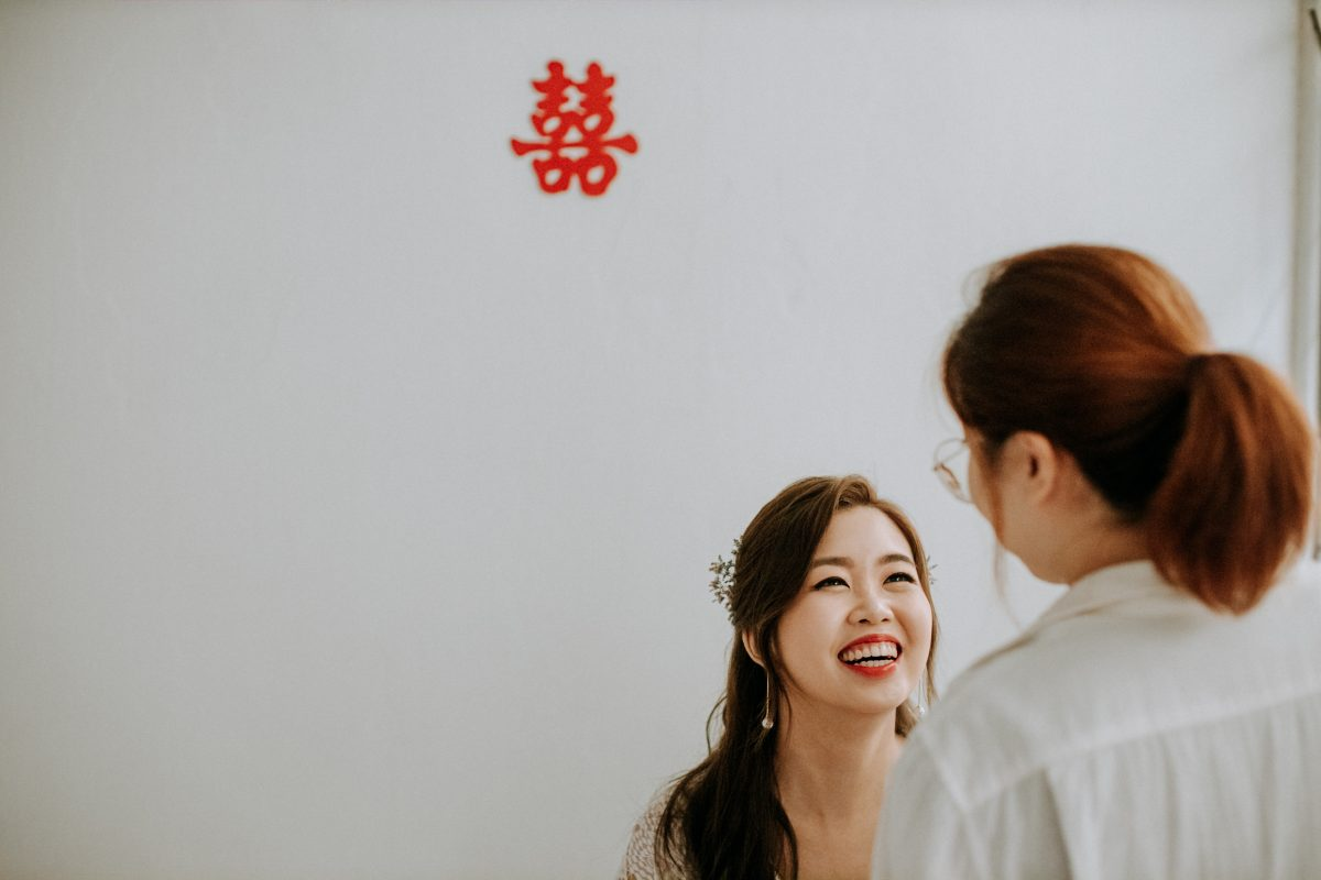white olive green Rustic Wedding Sekeping Jugra cliff choong destination portrait and wedding photographer malaysia kuala lumpur bride and groom desert couple kiss romantic intimate moment scene bridesmaids beautiful make up getting ready shot