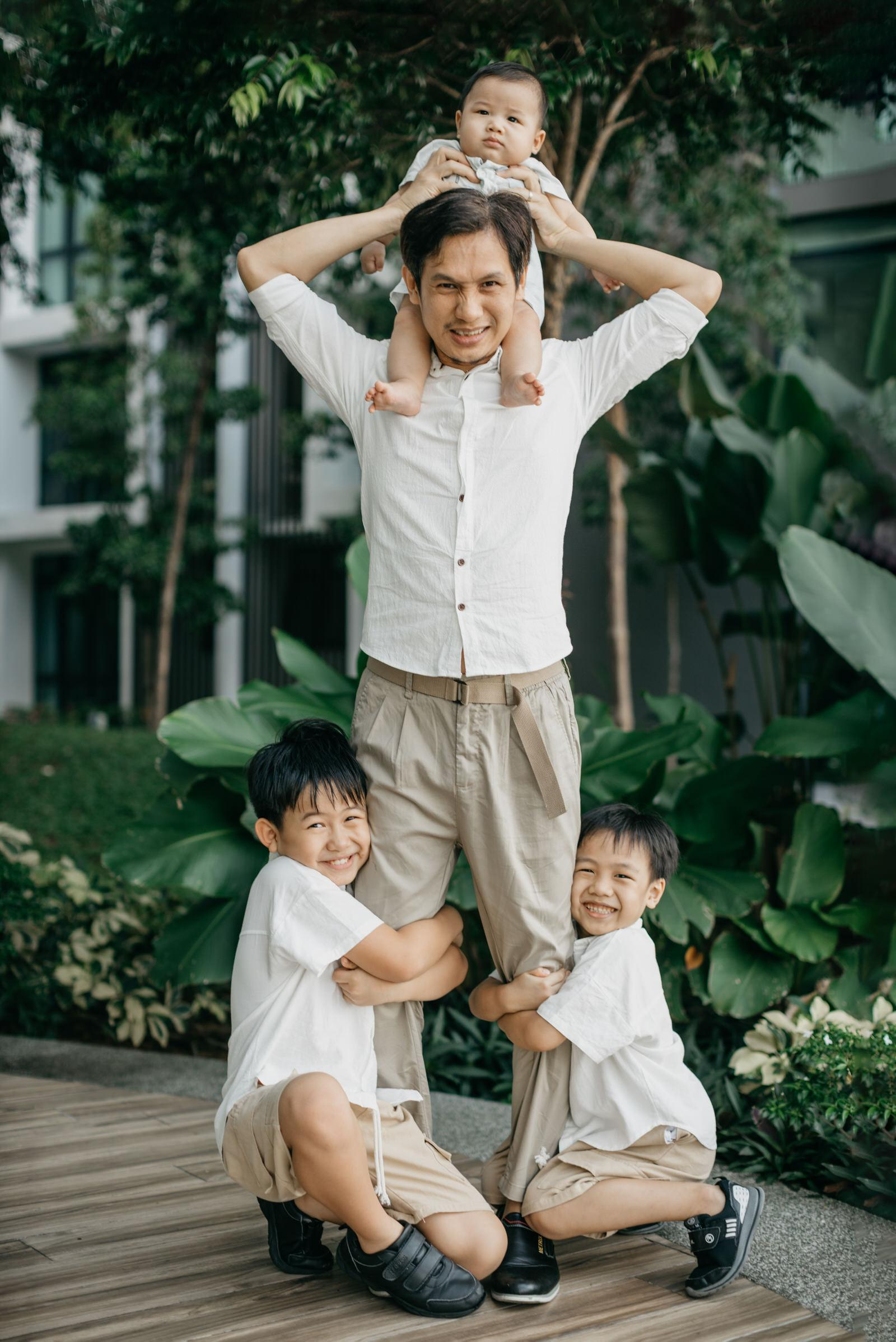 Daddy and me Precious time with little baby family portrait Cliff Choong Photography