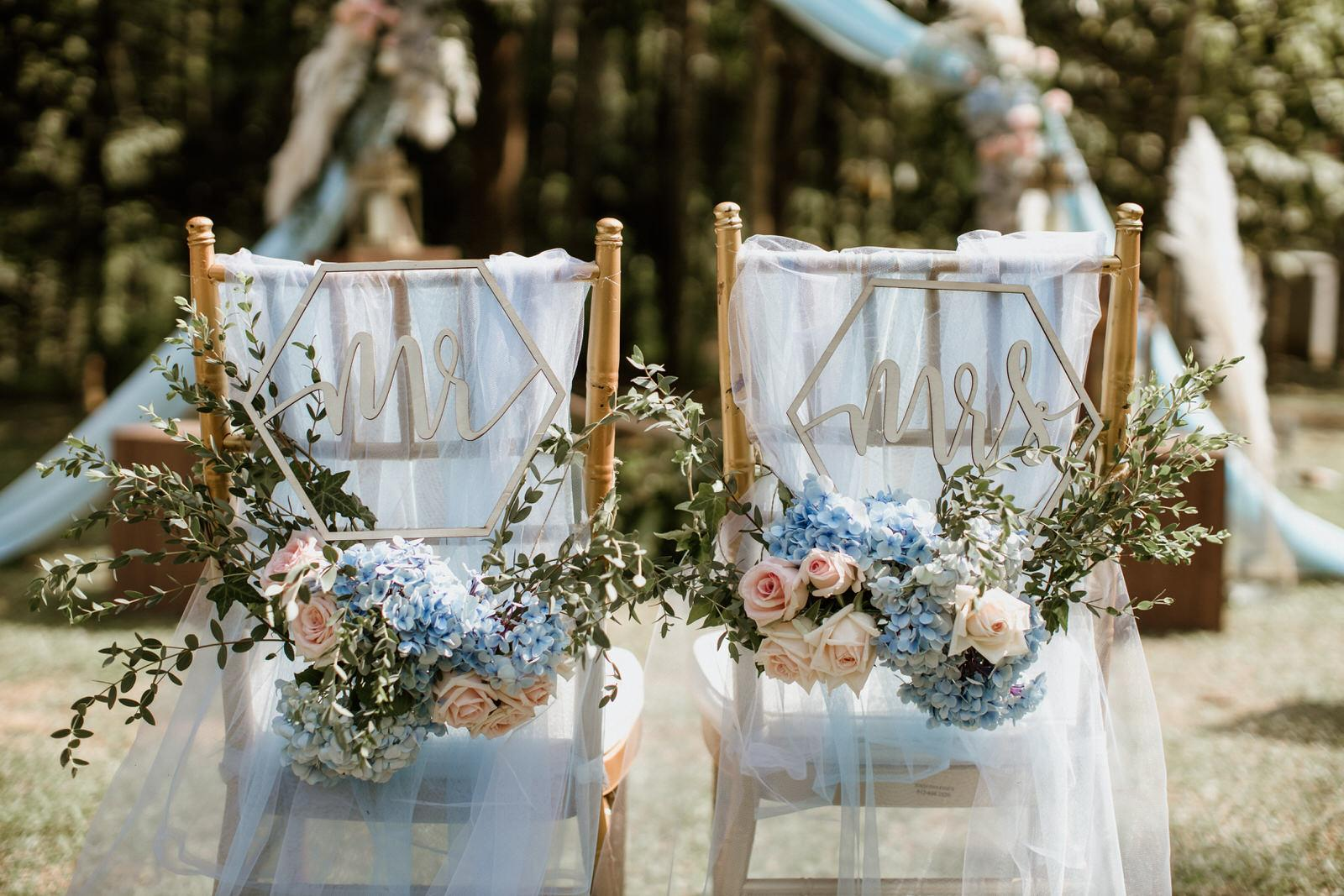Tanarimba Rustic Garden Weding Janda baik Decoration wooden chair feather flowers signs Cliff Choong Photography