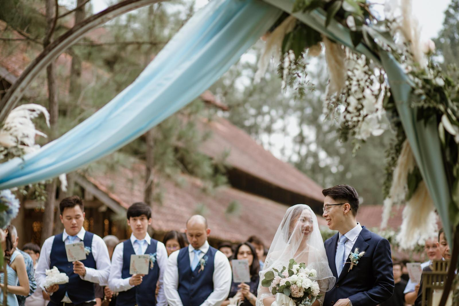 Bride and groom Outdoor Worship Tanarimba Rustic Garden Weding Janda baik Decoration Photobooth Cliff Choong Photography